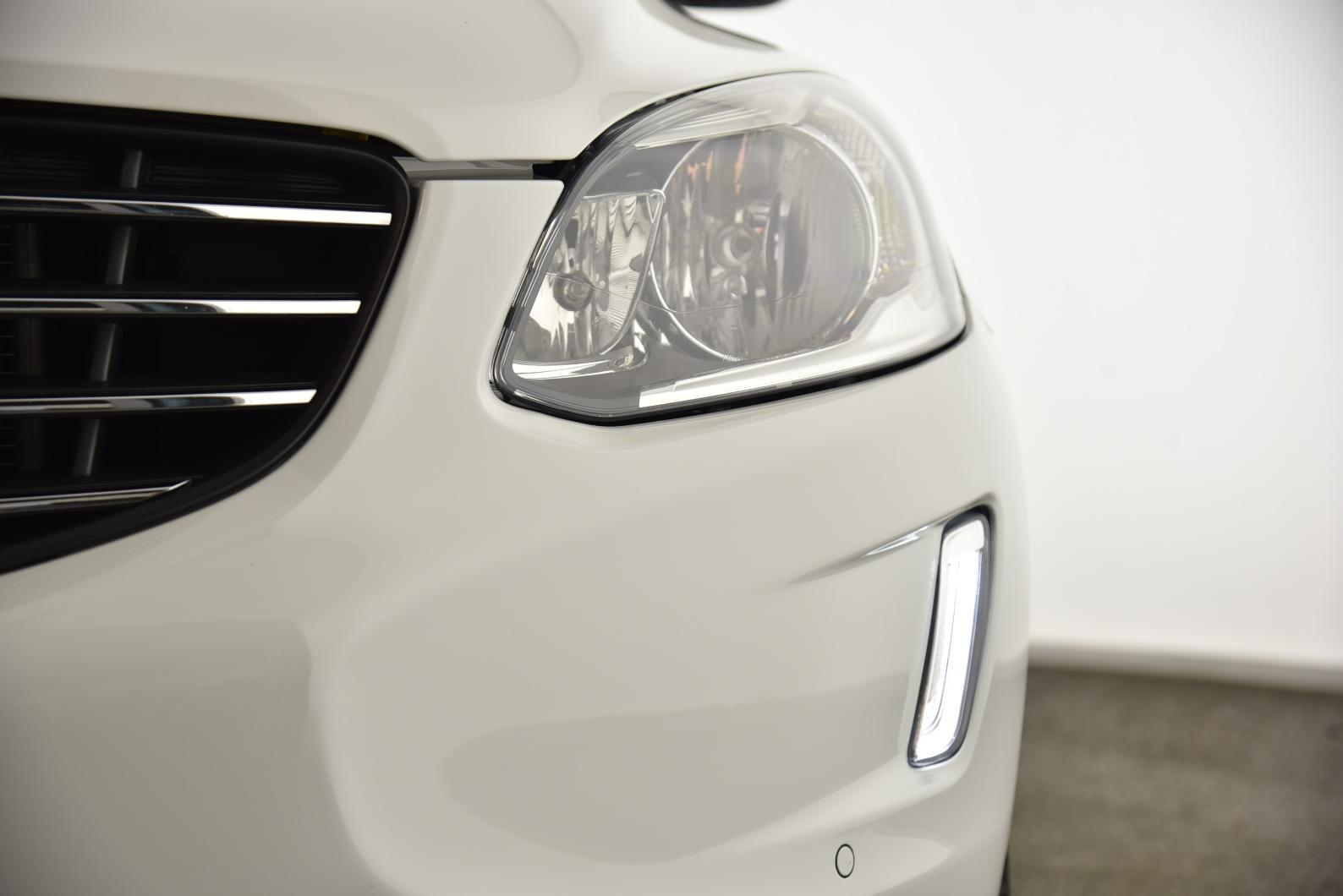 VOLVO XC60 D4 181 ch S&S Momentum Geartronic A