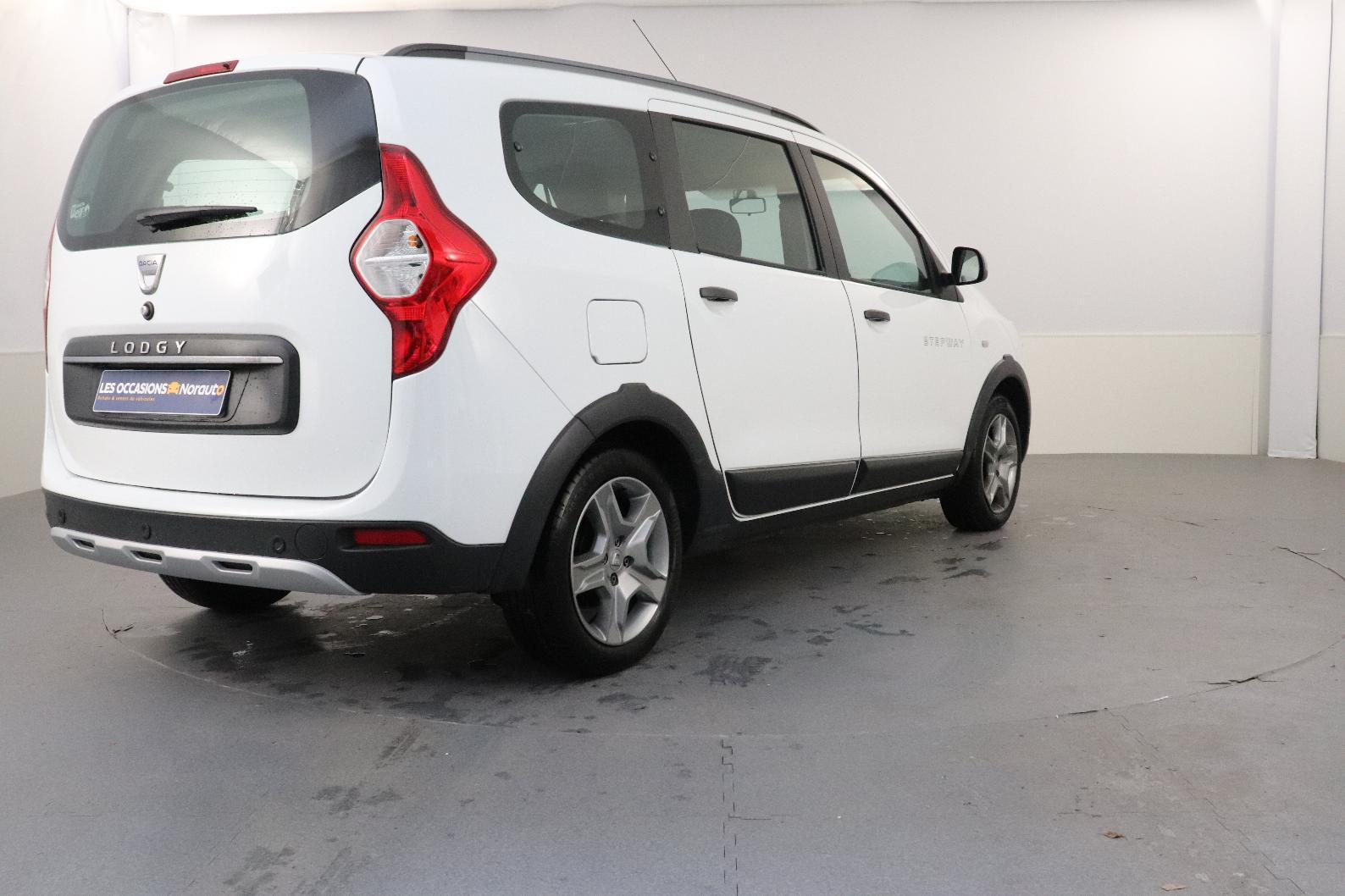 DACIA LODGY TCe 115 7 places Stepway