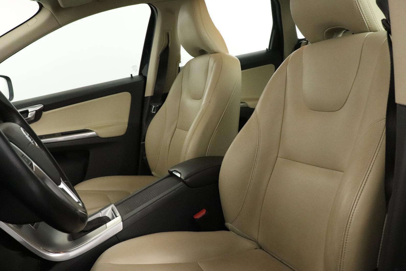 VOLVO XC60 D4 AWD 190 ch Summum Geartronic A