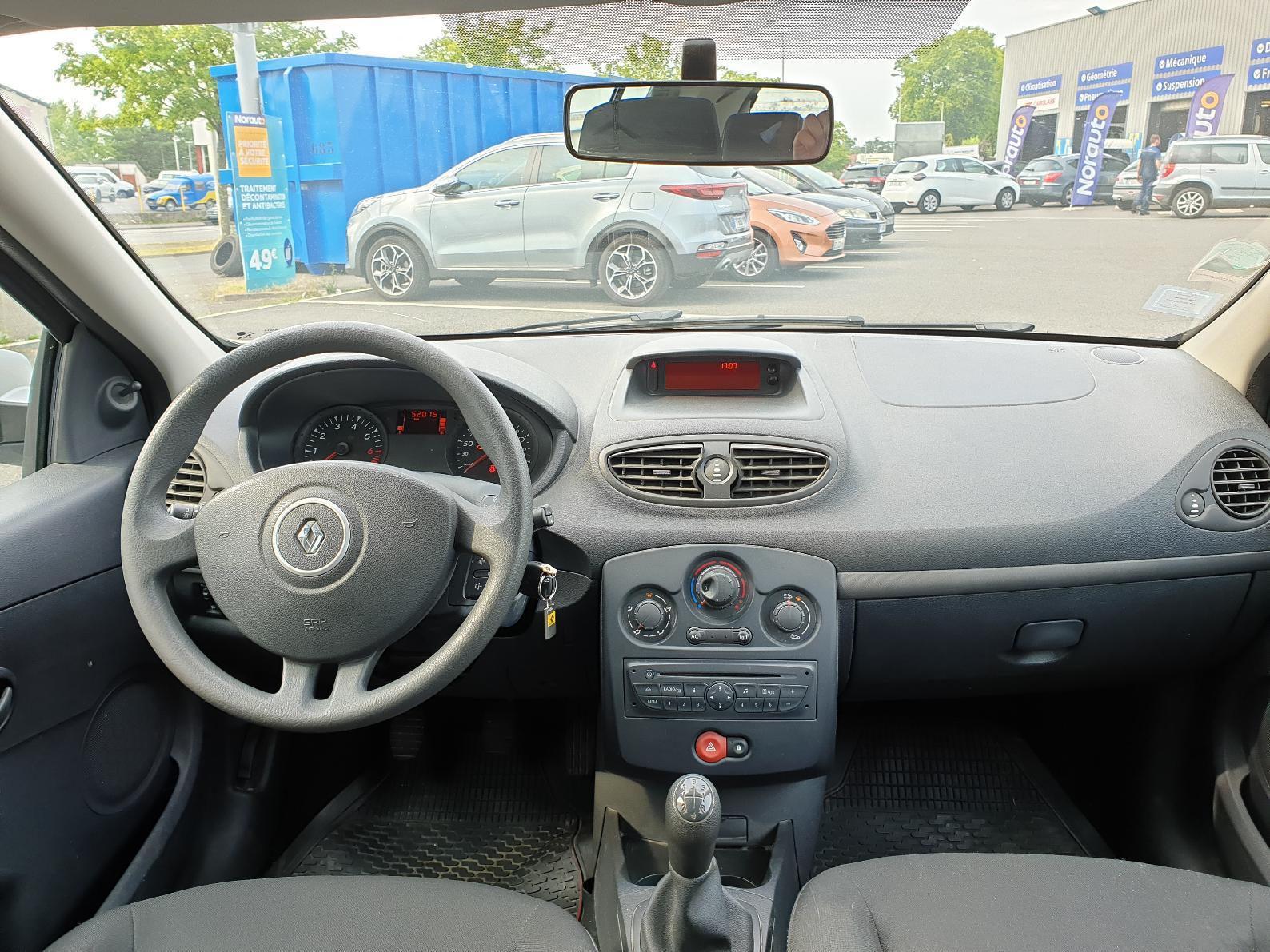RENAULT CLIO III Clio III 1.2 16V 75 Zen
