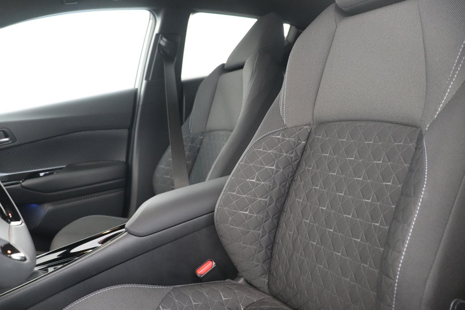 TOYOTA C-HR HYBRIDE MC19 C-HR Hybride 1.8L Edition