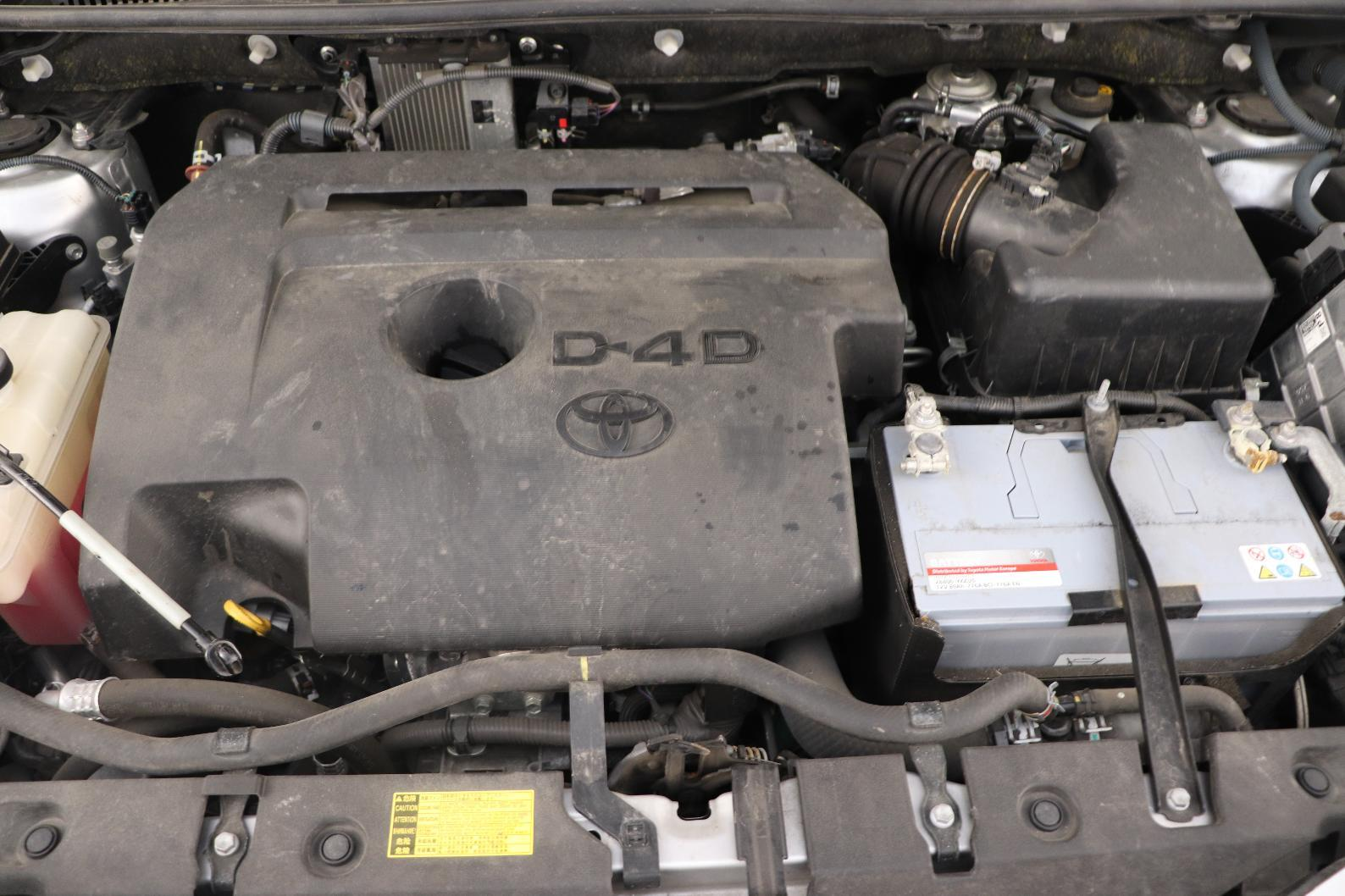 TOYOTA RAV4 124 D-4D 2WD Life