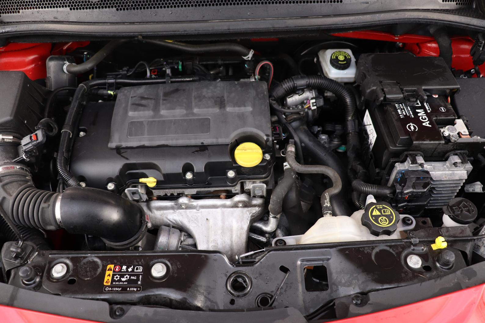 OPEL CORSA 1.4 Turbo 100 ch Black Edition