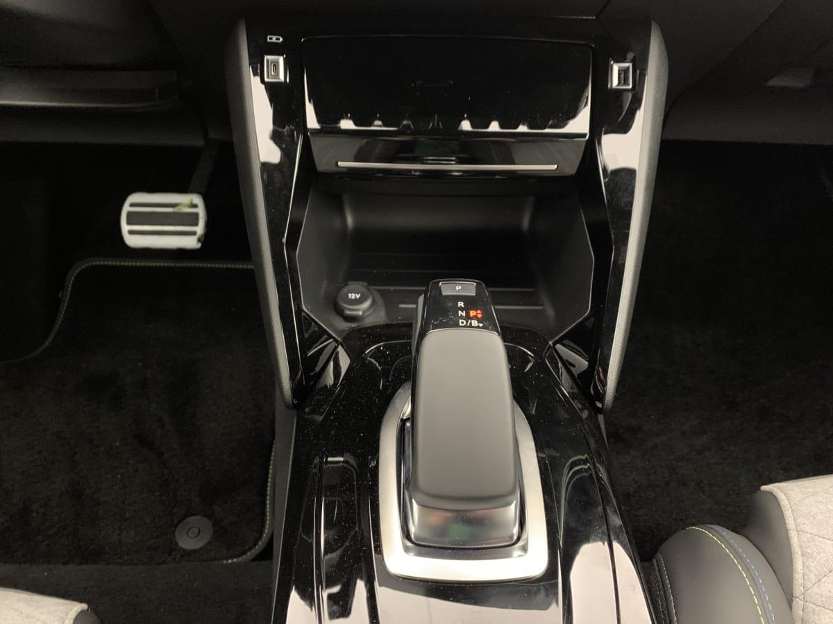 PEUGEOT 208 NOUVELLE ELECTRIQUE 50 KWH 136CH GT