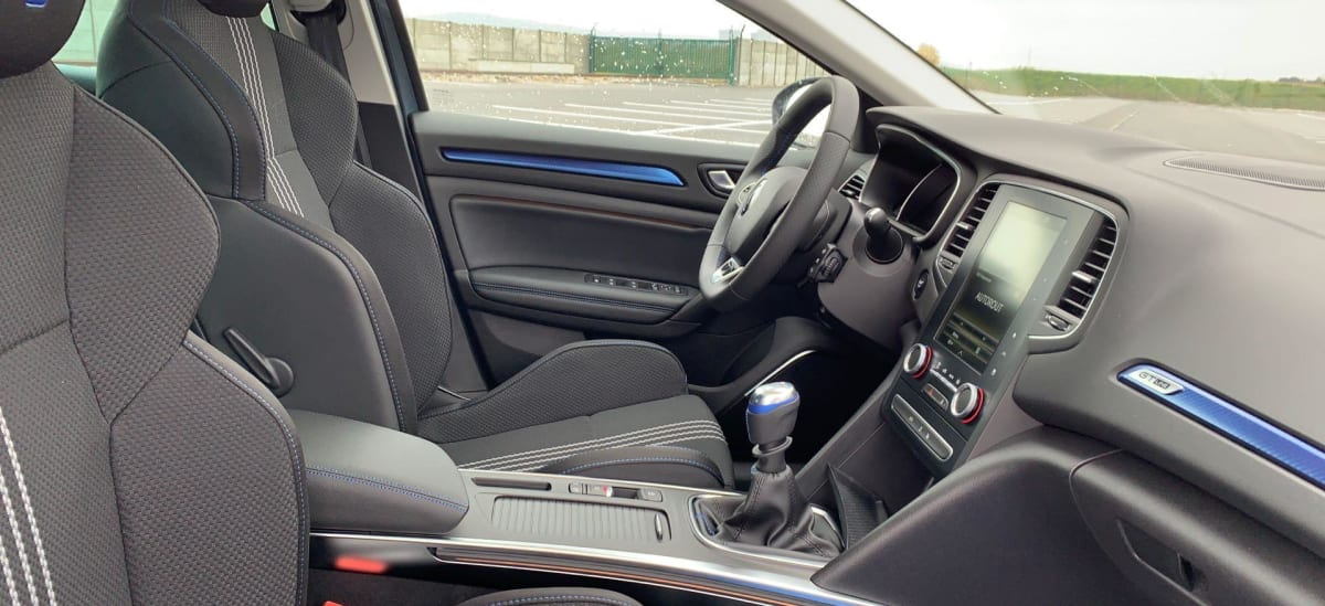 RENAULT MEGANE IV ESTATE Blue dCi 115 Intens