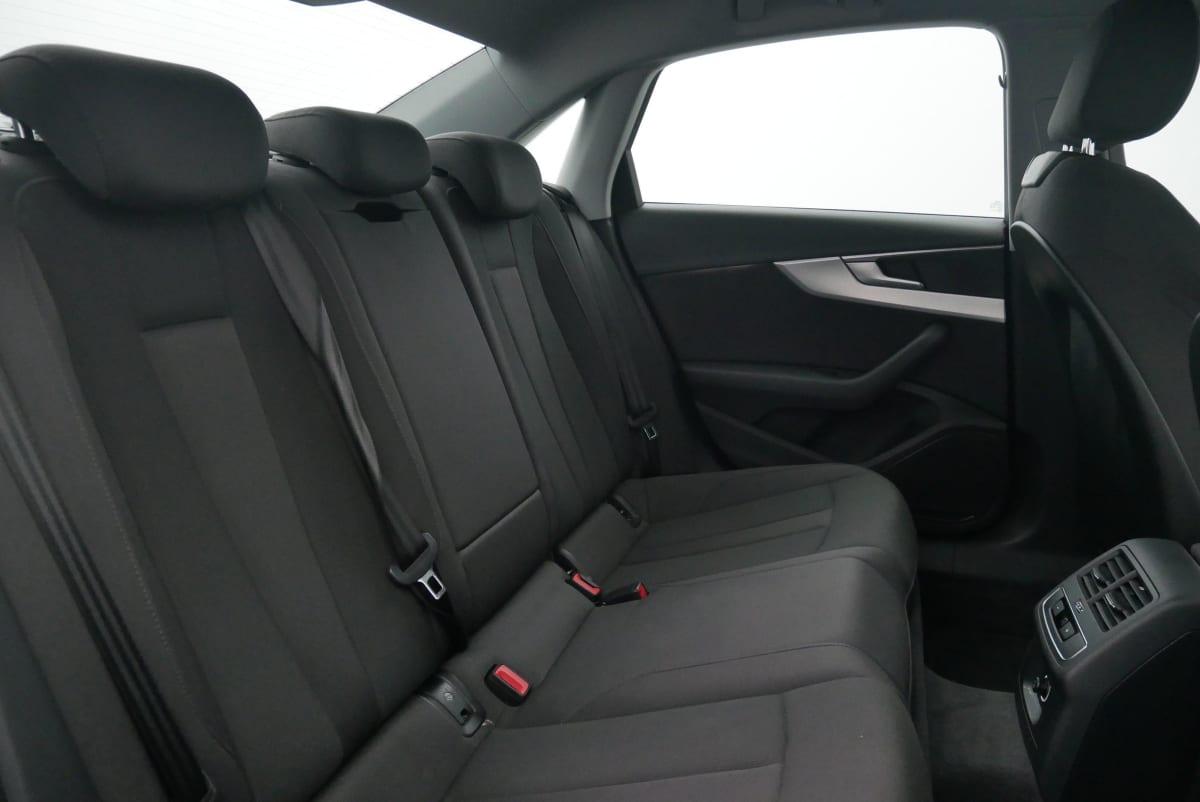 AUDI A4 35 TFSI 150 S tronic 7 Design
