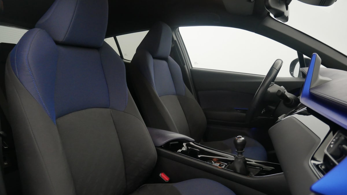 TOYOTA C-HR 1.2T 2WD Graphic