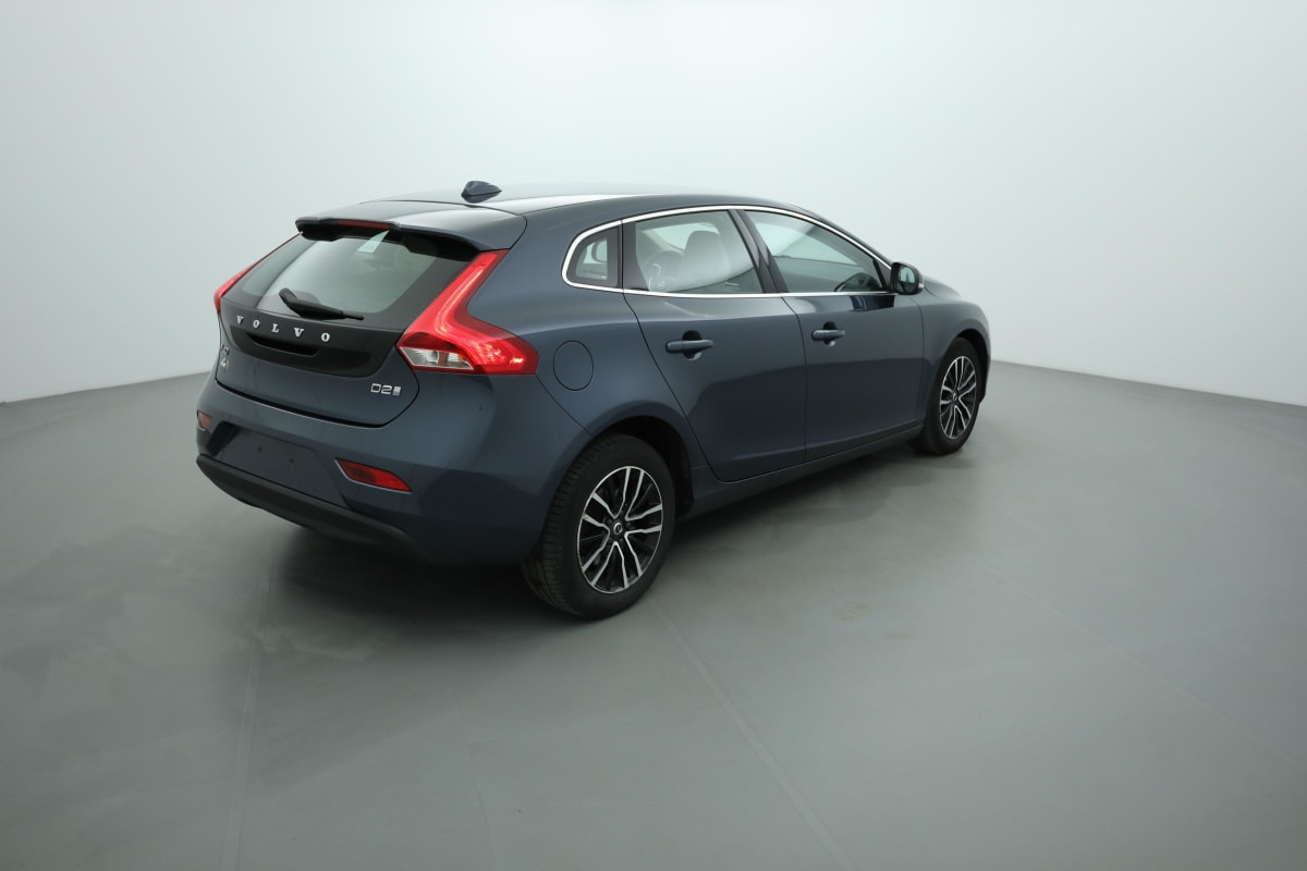 VOLVO V40 D2 120 INSCRIPTION